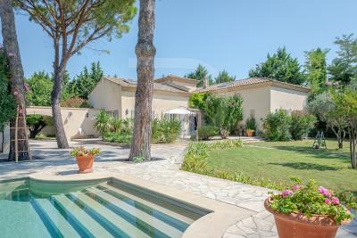 Maison de prestige avec piscine et appartement indépendant