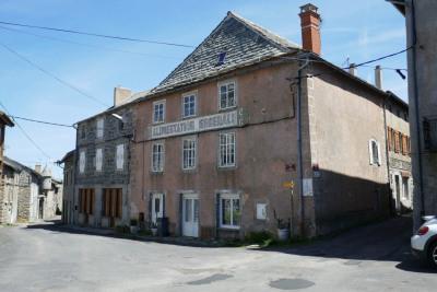 Maison de village avec logement annexe