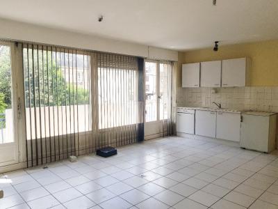 Bureaux / locaux professionnel - Quimper centre - 103.66 m²