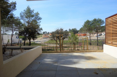 Nimes route de sauve - p2 neuf 43 m² - terrasse - parking privé