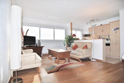 92 La Garenne Colombes. 3 pièces de 64 m², parking