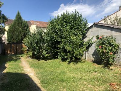 AGEN Maison de ville avec grand jardin