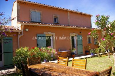 Agréable villa au calme d'un joli hameau provençal