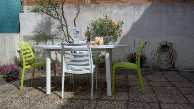 5 Pieces LE GRAU DU ROI - 5 pièce(s) - 93 m2