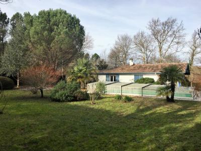 Villa 5 pièces idéalement située dans un environne
