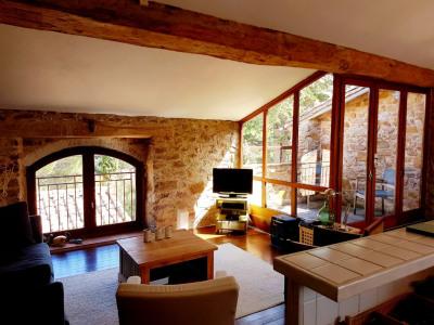 Belle et spacieuse maison en pierres apparentes à Montolieu