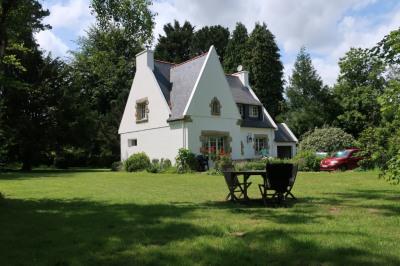 MELLAC Maison sur très beau terrain de 5974 m²
