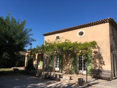 Villa type 5 de 155 m² proche centre village - EGUILLES