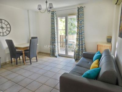 Appartement Grimaud 2 pièce (s) 37.58 m²