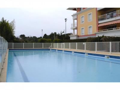 Studio dans résidence de standing avec piscine..
