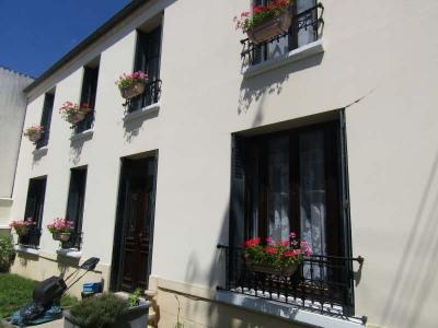 Maison de maître sur bornel- 6 pièce (s) - 140 m²