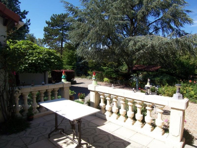 Property in Marennes sold in life