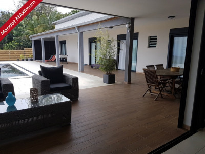 Villa F5 180 m² avec piscine a débordement trois mares