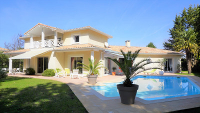 Villa d'Architecte sur le Golf