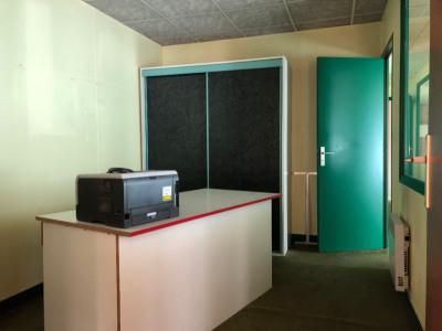 Sale empty room/storage Tregourez (29970)