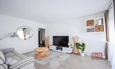 Appartement Les Clayes Sous Bois 4 pièce(s) 74 m2