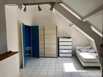 Appartement 2 pièces de 35 m² situé en plein centre ville