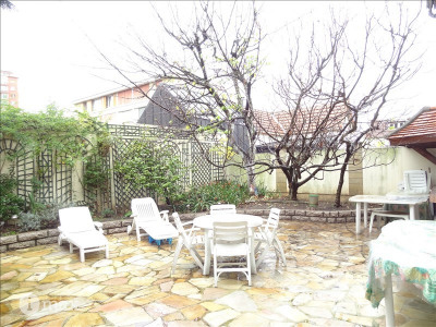 Maison romainville - 9 pièce (s) - 300 m²