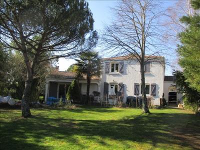 Maison a etage la crèche - 5 pièce (s) - 133 m²