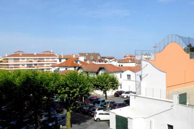 Saint jean de luz centre – studio ouvrant sur balcon