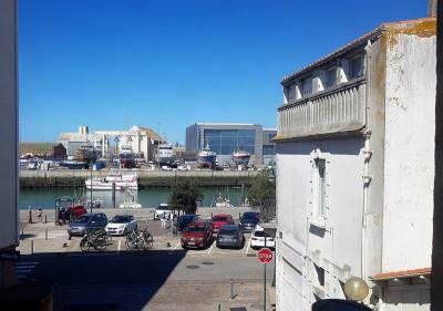 Maison de ville entre port et plage