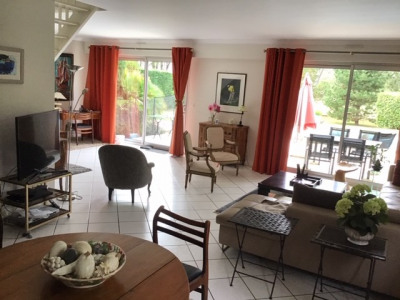 Maison Pessac Golf 6 pièce (s) 209 m²