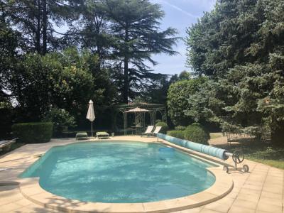 A 11 kms d'agen - maison de maître avec piscine, dépendances