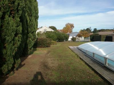 Terrain borné de 795m² avec piscine