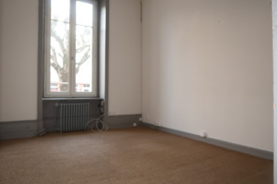 Local commercial 75 m²