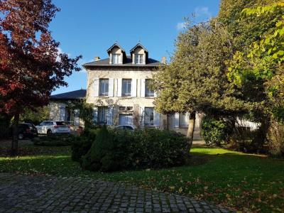 Proche Lésigny, maison de maître avec jardin de 2500 m²