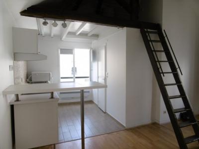 Grand studio avec mezzanine rue Bichat