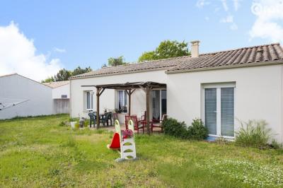 Maison Etaules - 4 pièces - 85 m²