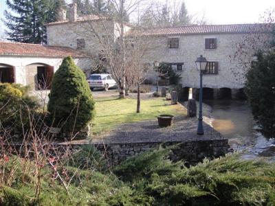 Vente urgente au plus offrant - propriété 8 ha