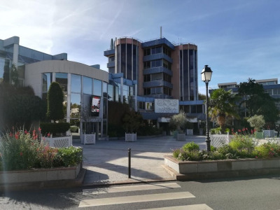 Vente local commercial Le Chesnay