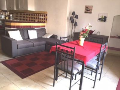 A LOUER - Duplex 3 pièces meublé - LORGUES