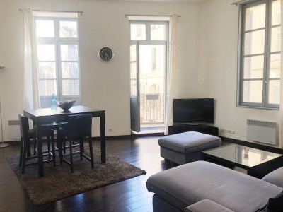Appartement 2 pièces avec Ascenseur, Balcon et parking