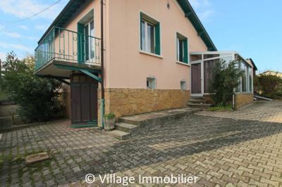 Maison Saint-PRIEST / 92 m² environ à l'entrée du village !