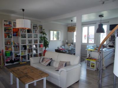 Maison rénovée 4 chambres jardin proche RER A !!!