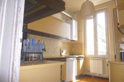 A vendre appartement 3 pièces, 3ème et dernier étage, 62 M². Quartier BAILLE TIMONE. Dans immeuble ancien ...