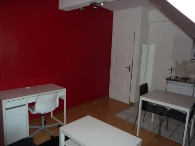 PONTIVY Studio meublé 13m² avec parking