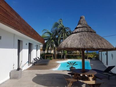 Villa F4 avec piscine entièrement meublée