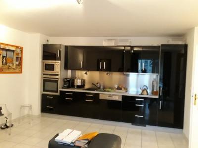 Bel appartement 2 pièces - 55 m² parking et cave