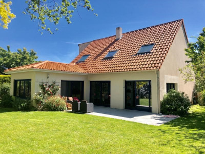 Pavillon st andré de la marche - 5 pièce (s) - 142 m²