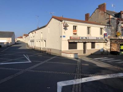 Bâtiment a restaurer jallais - 5 pièce (s) - 120 m²