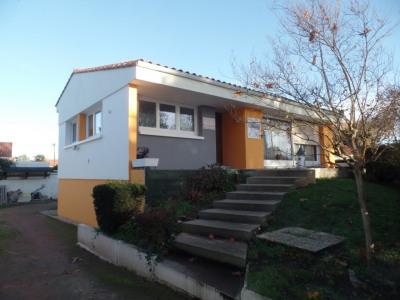 Maison sur sous-sol CHALLANS - 6 pièce (s) - 120m²
