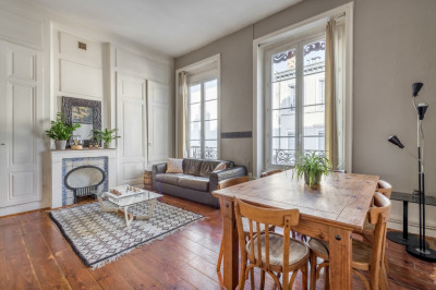 Old Renovated Apartment