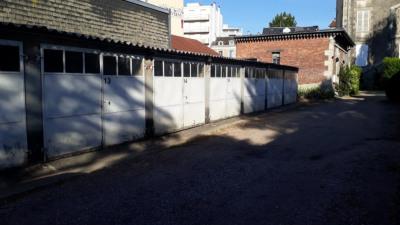 Prox Mairie / Face de Droit - GARAGE à louer AV. BAUDIN