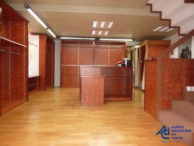 A vendre murs commerciaux de 158 m² pontivy. Morbihan bretagne