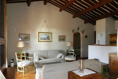 Bormes Les Mimosas apartment for sale with large terrace and