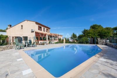 Villa piscine vue mer - montagne hauts d'antibes